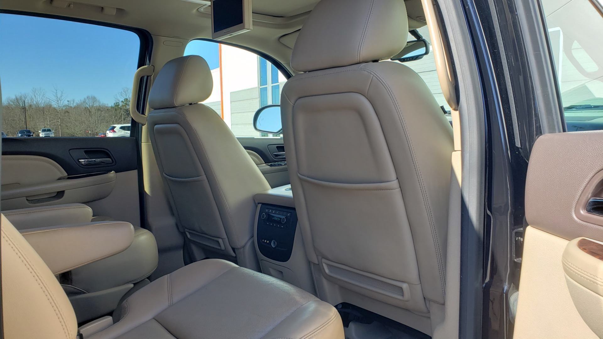 Used 2013 GMC YUKON XL DENALI / AWD / NAV / SUNROOF / 3-ROW / ENTERTAINMENT for sale Sold at Formula Imports in Charlotte NC 28227 72