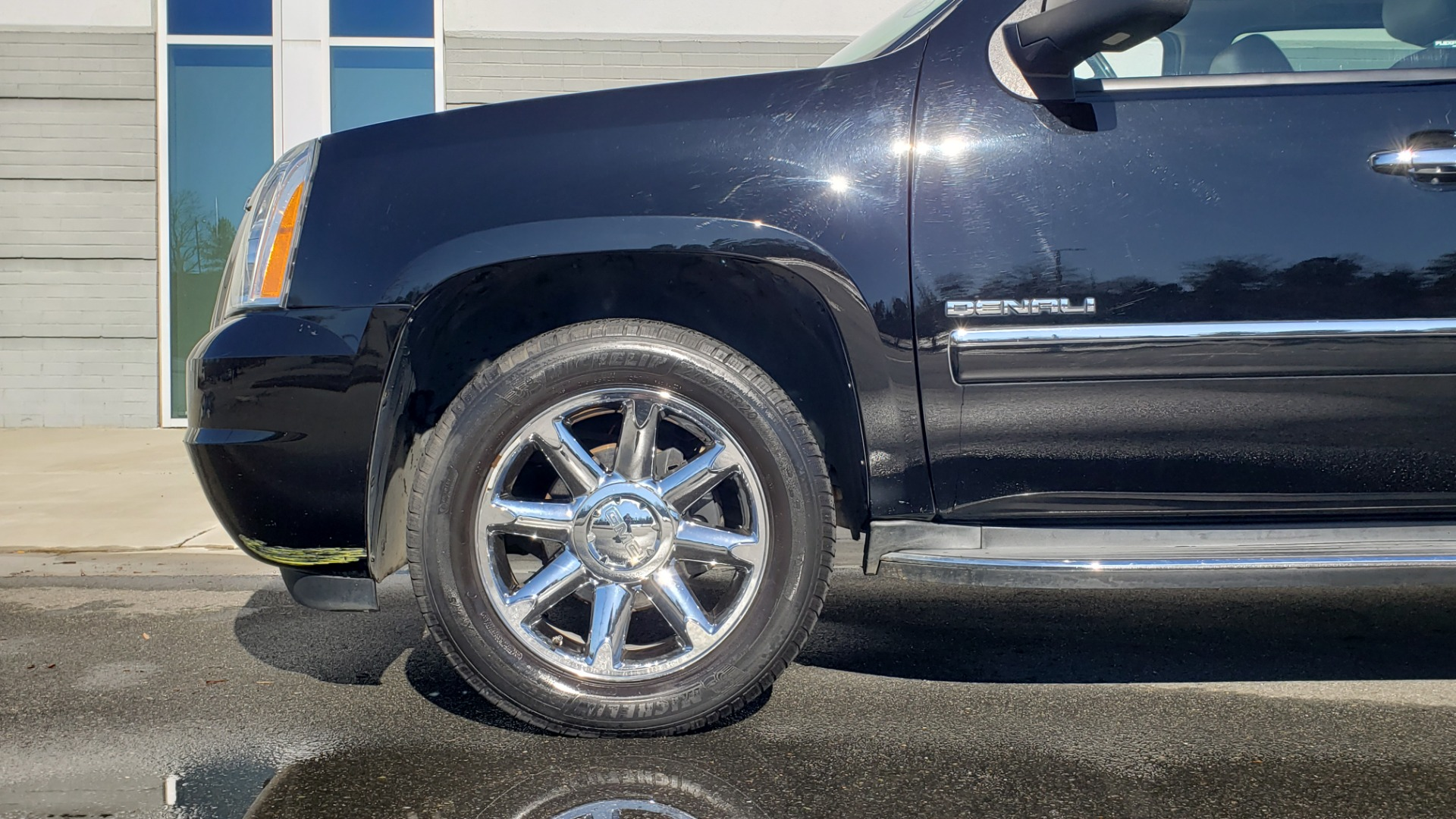 Used 2013 GMC YUKON XL DENALI / AWD / NAV / SUNROOF / 3-ROW / ENTERTAINMENT for sale Sold at Formula Imports in Charlotte NC 28227 79