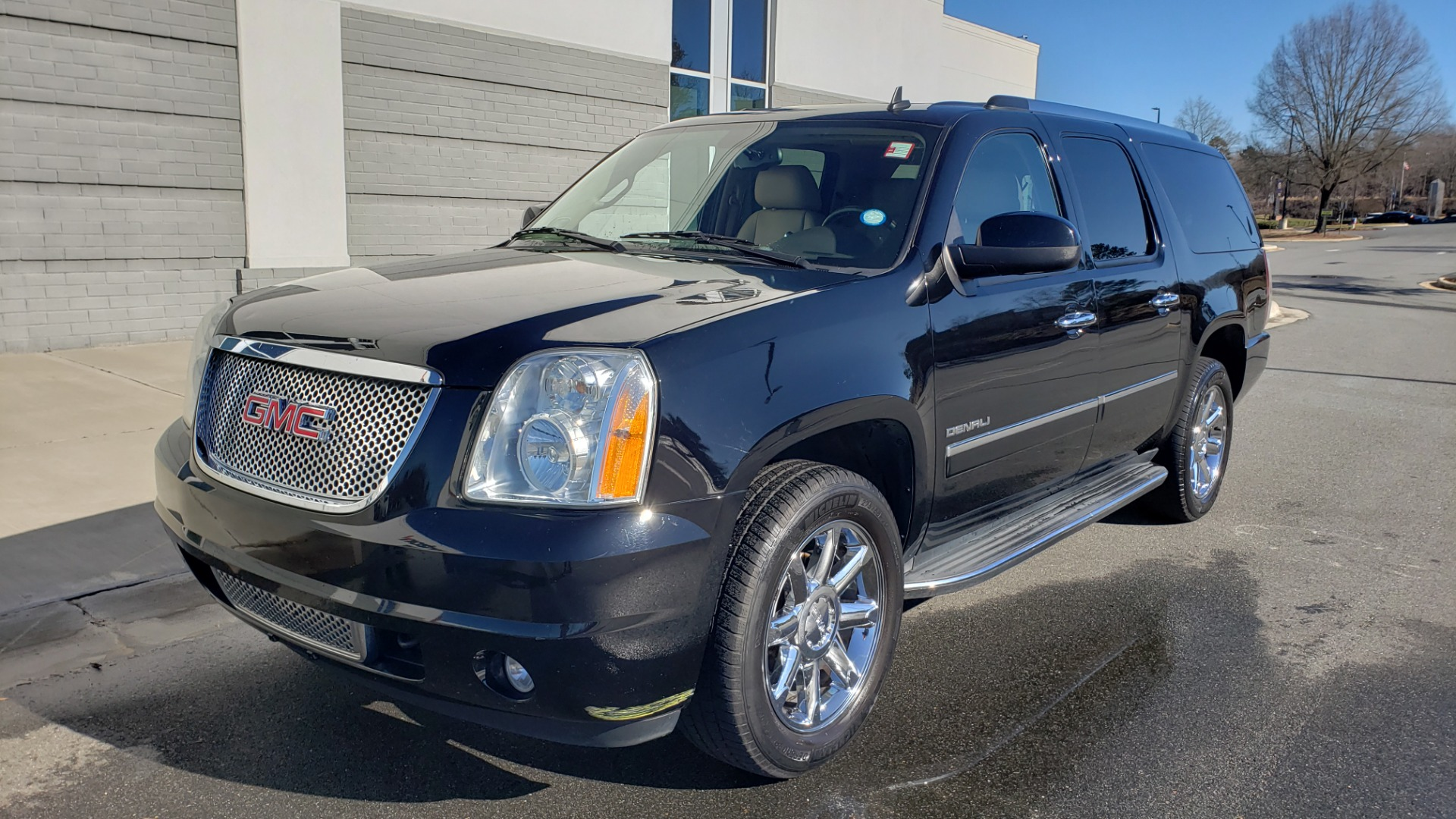 Used 2013 GMC YUKON XL DENALI / AWD / NAV / SUNROOF / 3-ROW / ENTERTAINMENT for sale Sold at Formula Imports in Charlotte NC 28227 1