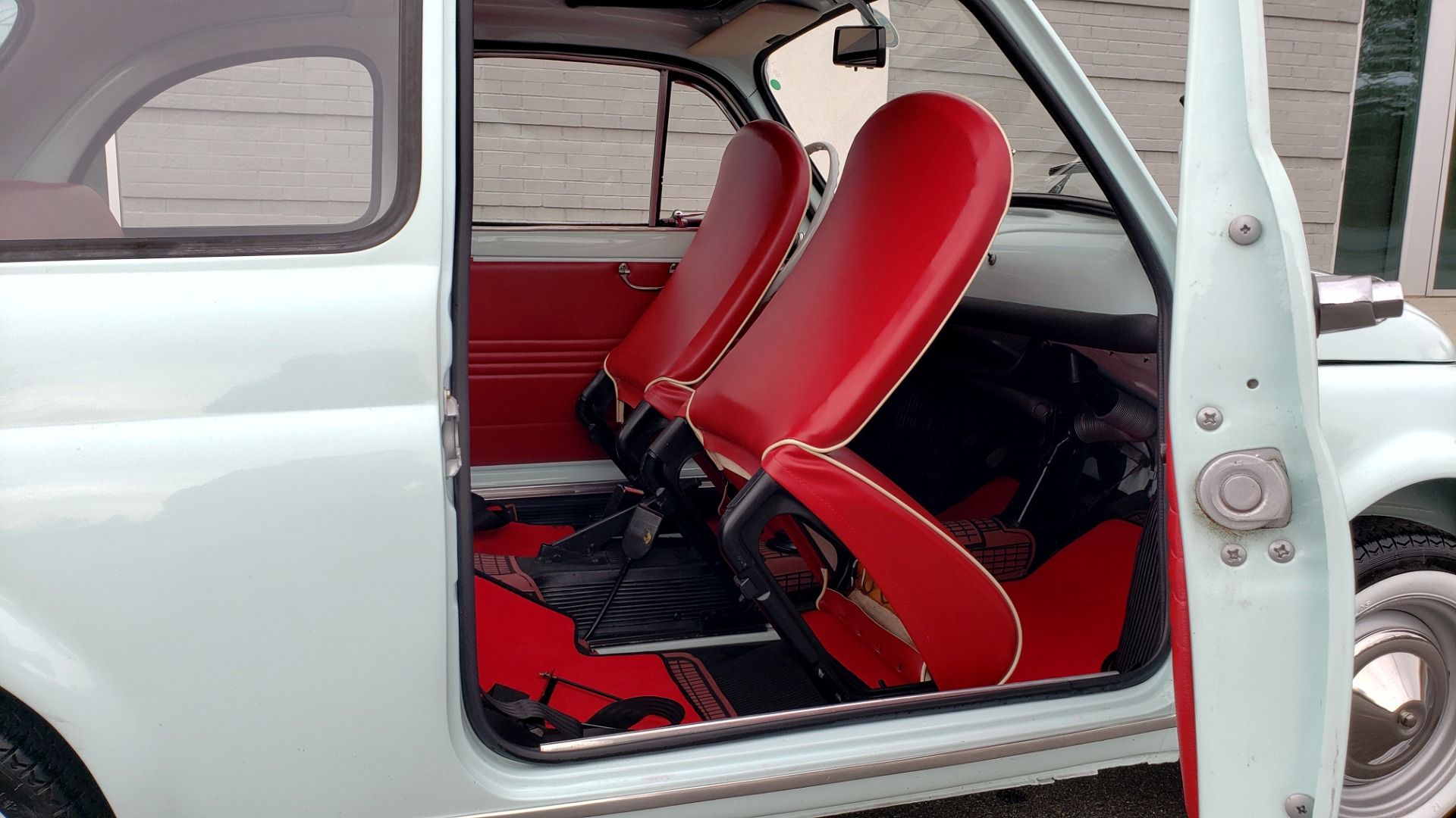 Used 1968 FIAT 500 NUOVA / SOFT-TOP / LUGGAGE RACK / RESTORED, LIKE NEW for sale $21,900 at Formula Imports in Charlotte NC 28227 33