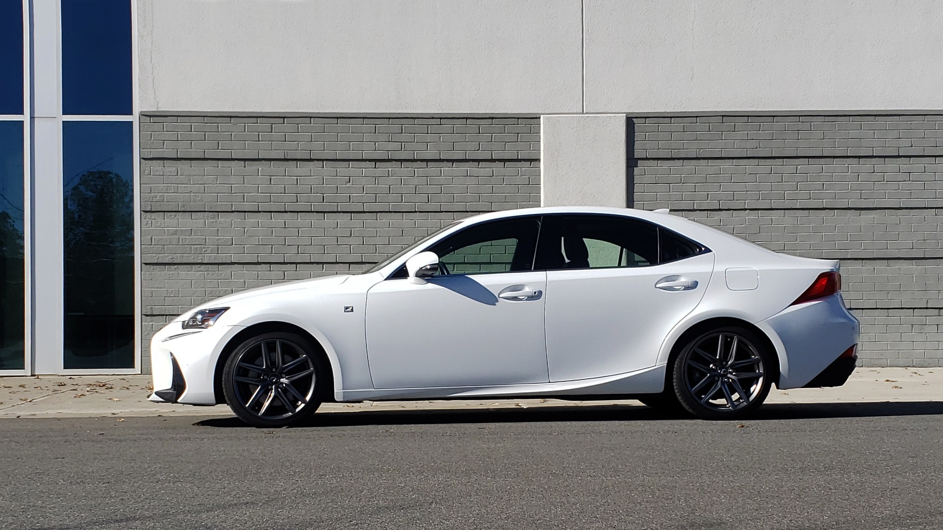 Used 2018 Lexus IS 300 F-SPORT / BSM / SUNROOF / REARVIEW / 18IN WHEELS for sale Sold at Formula Imports in Charlotte NC 28227 2