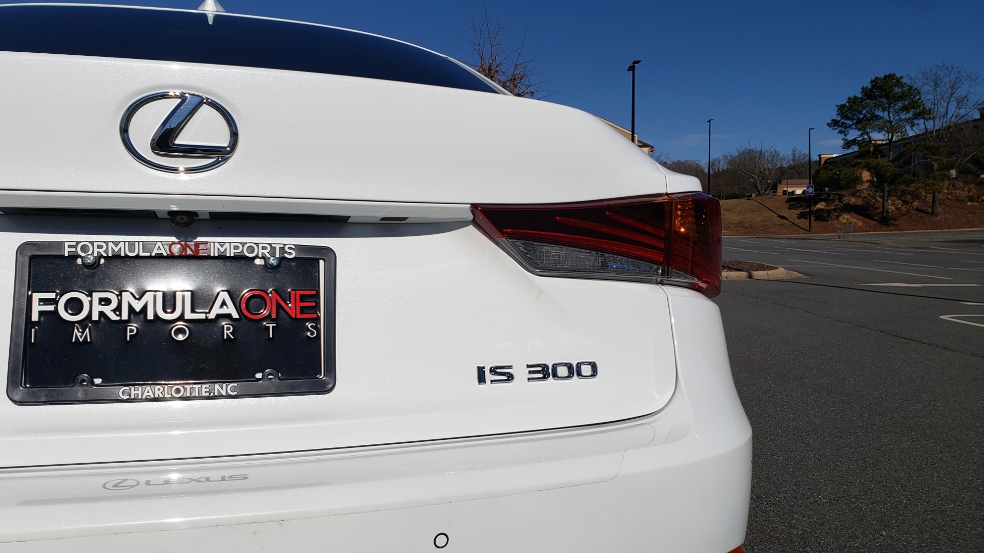Used 2018 Lexus IS 300 F-SPORT / BSM / SUNROOF / REARVIEW / 18IN WHEELS for sale Sold at Formula Imports in Charlotte NC 28227 21