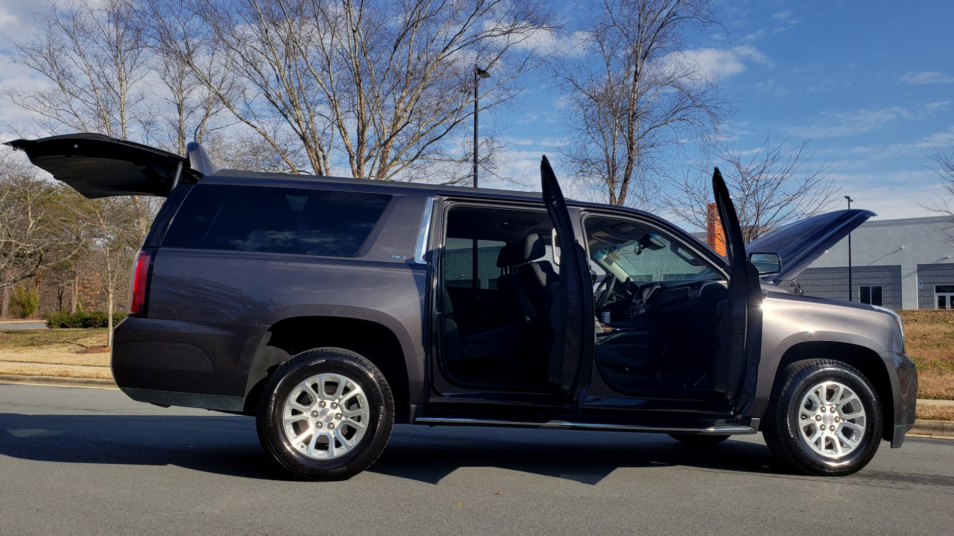 Used 2017 GMC YUKON XL SLT 4X4 / NAV / SUNROOF / BOSE / 3-ROW / REARVIEW for sale Sold at Formula Imports in Charlotte NC 28227 12