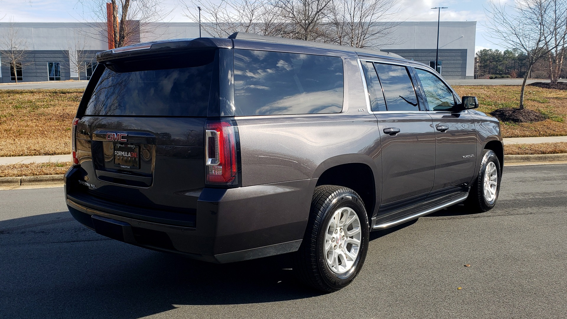 Used 2017 GMC YUKON XL SLT 4X4 / NAV / SUNROOF / BOSE / 3-ROW / REARVIEW for sale Sold at Formula Imports in Charlotte NC 28227 2