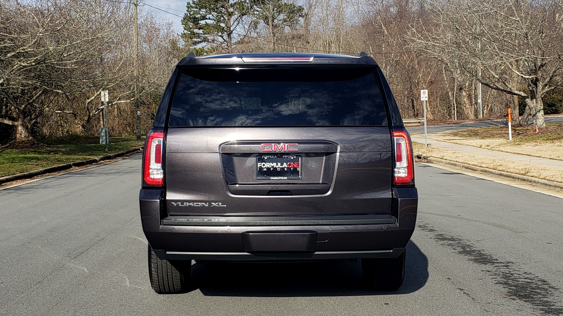 Used 2017 GMC YUKON XL SLT 4X4 / NAV / SUNROOF / BOSE / 3-ROW / REARVIEW for sale Sold at Formula Imports in Charlotte NC 28227 31