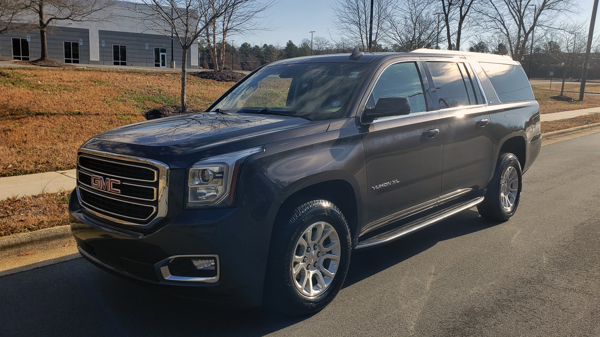 Used 2017 GMC Yukon XL SLT for sale $37,495 at Formula Imports in Charlotte NC 28227 5