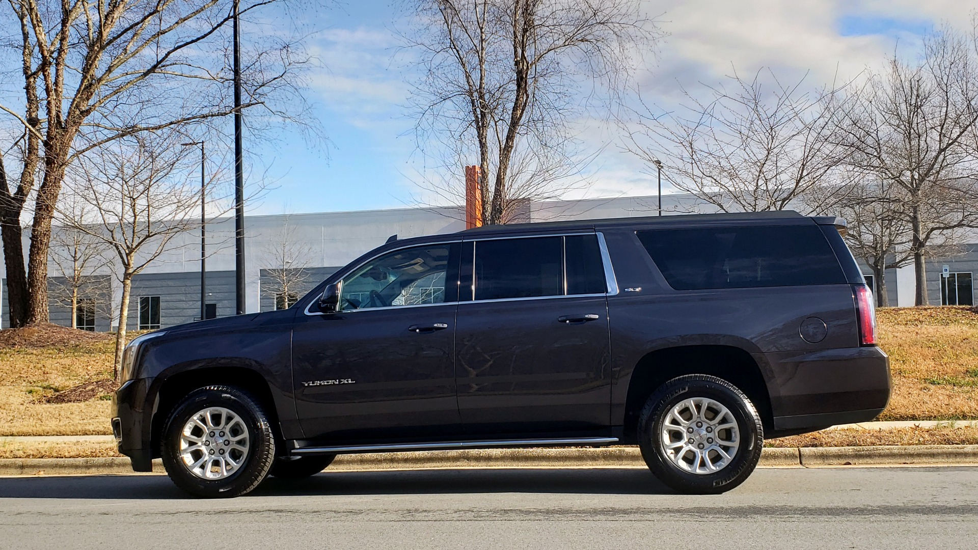 Used 2017 GMC YUKON XL SLT 4X4 / NAV / SUNROOF / BOSE / 3-ROW / REARVIEW for sale Sold at Formula Imports in Charlotte NC 28227 7