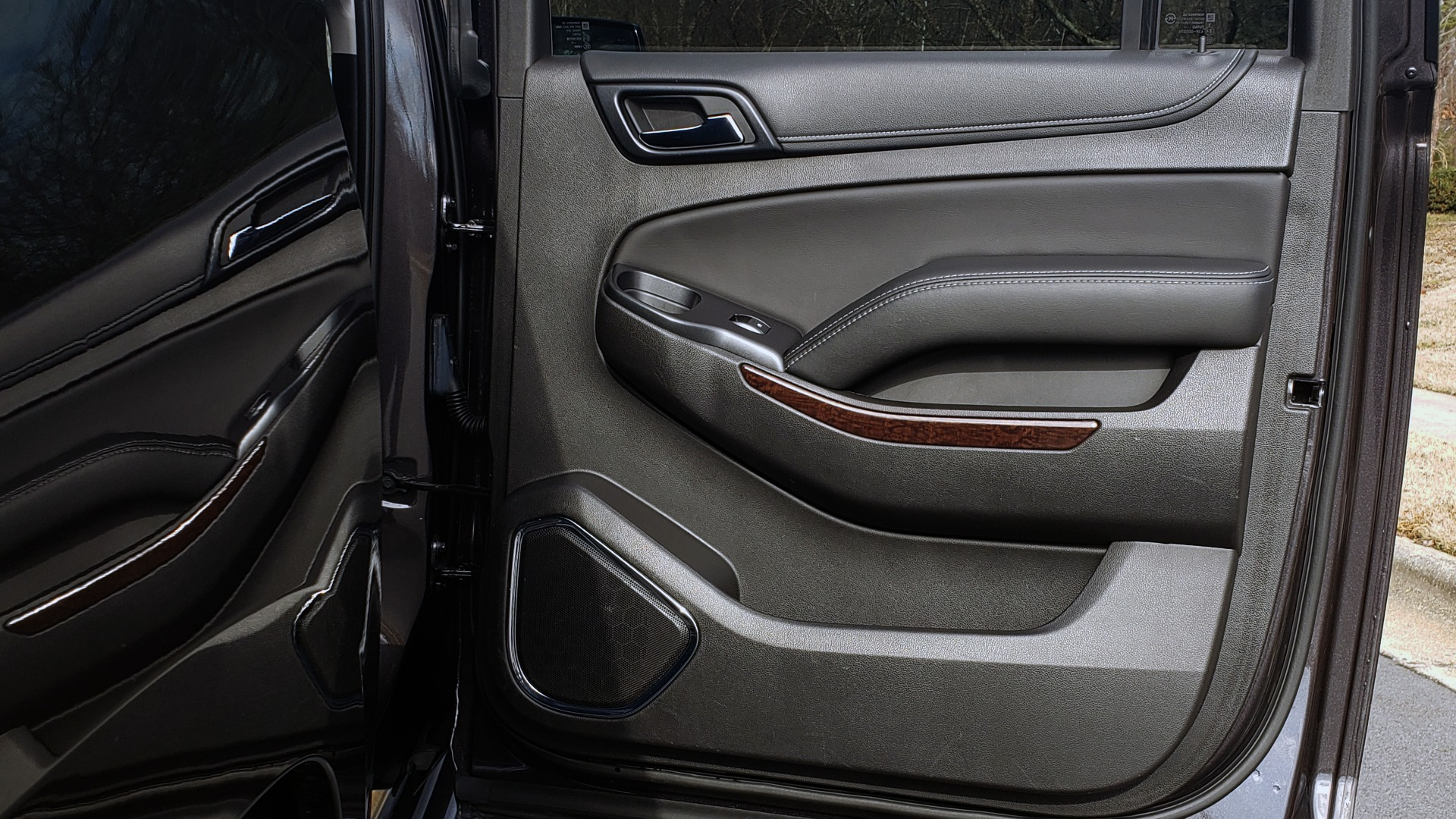Used 2017 GMC YUKON XL SLT 4X4 / NAV / SUNROOF / BOSE / 3-ROW / REARVIEW for sale Sold at Formula Imports in Charlotte NC 28227 85