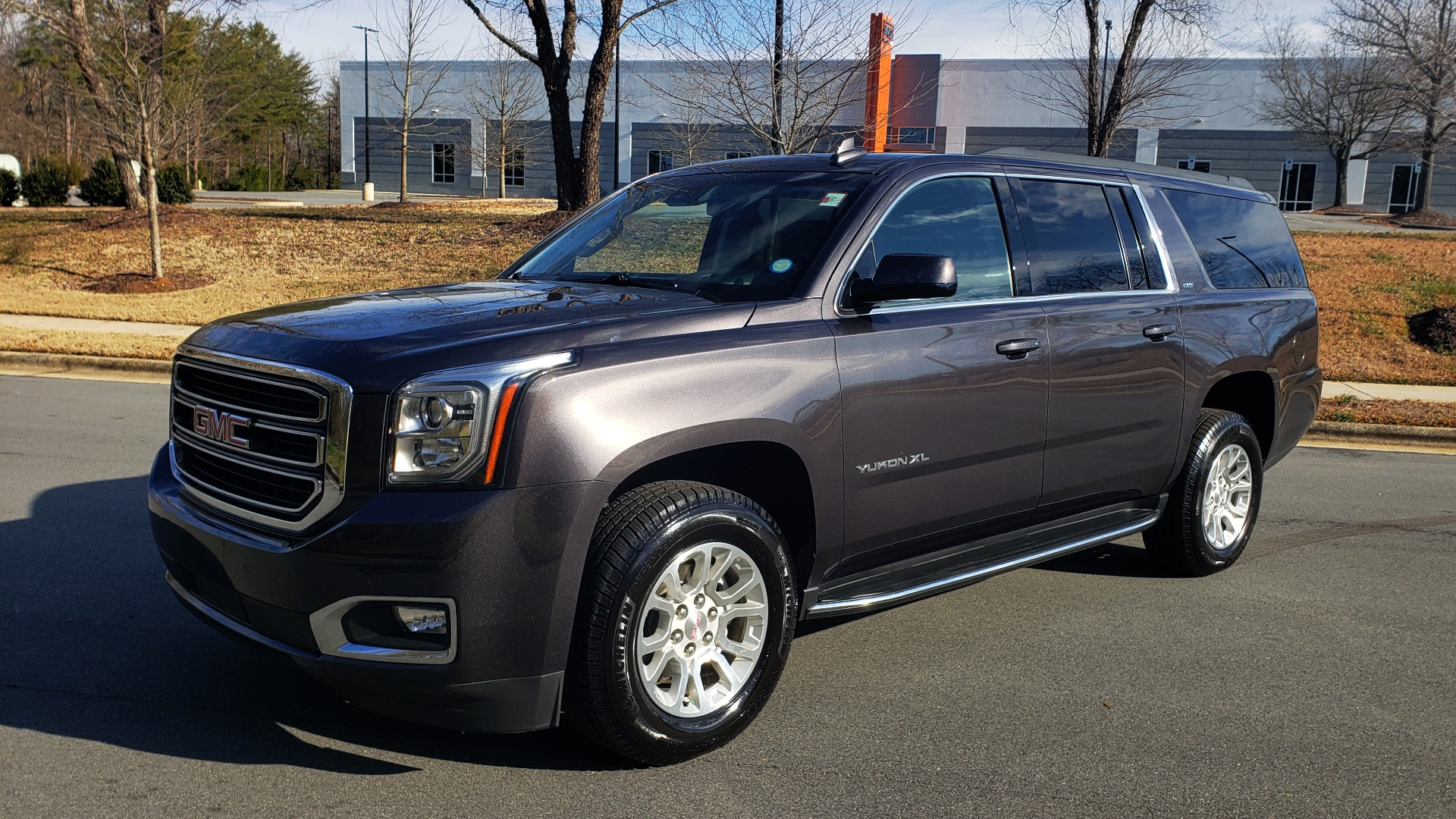 Used 2017 GMC YUKON XL SLT 4X4 / NAV / SUNROOF / BOSE / 3-ROW / REARVIEW for sale Sold at Formula Imports in Charlotte NC 28227 9