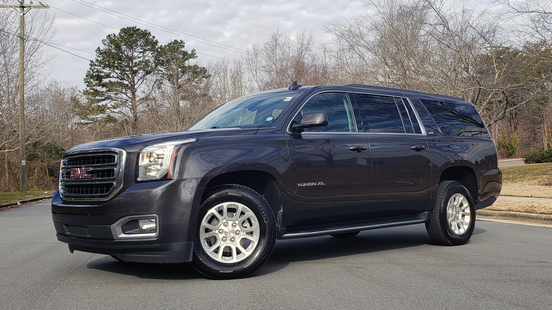 Used 2017 GMC YUKON XL SLT 4X4 / NAV / SUNROOF / BOSE / 3-ROW / REARVIEW for sale Sold at Formula Imports in Charlotte NC 28227 1