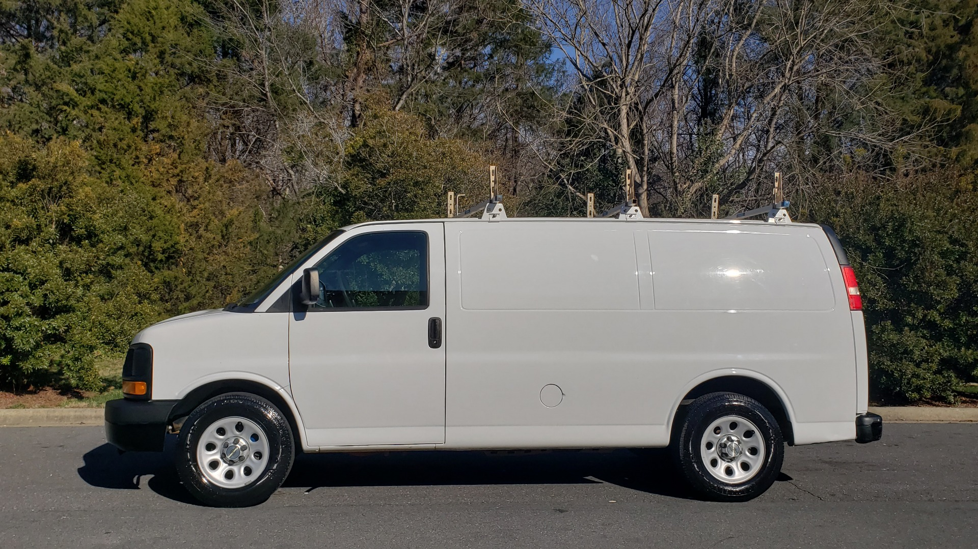 Used 2012 Chevrolet EXPRESS WORK VAN 1500 / 135 WB / 4.3L V6 / 4-SPD AUTO / ROOF RACK for sale $11,600 at Formula Imports in Charlotte NC 28227 2