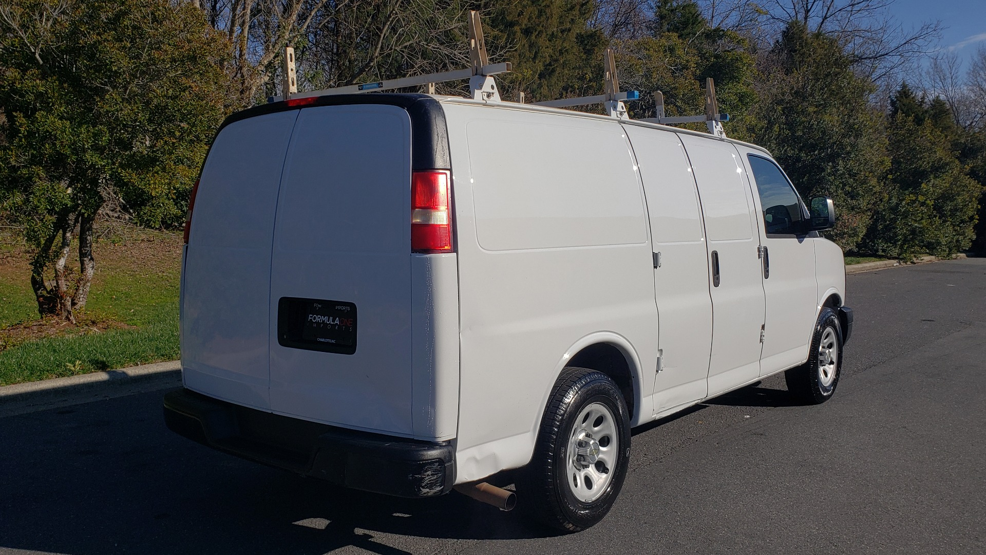 Used 2012 Chevrolet EXPRESS WORK VAN 1500 / 135 WB / 4.3L V6 / 4-SPD AUTO / ROOF RACK for sale $11,600 at Formula Imports in Charlotte NC 28227 6