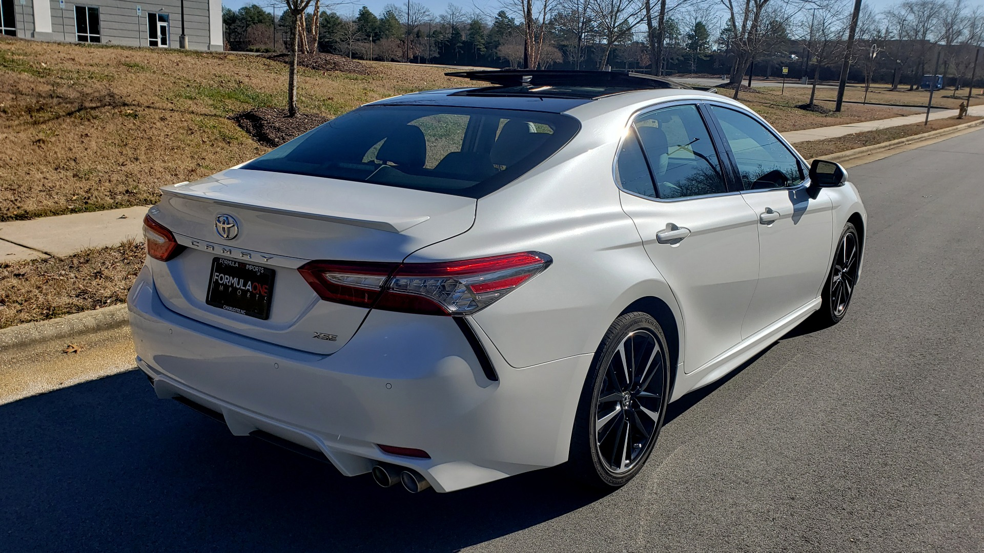 Used 2018 Toyota CAMRY XSE 2.5L SEDAN / 8-SPD AUTO / PANO-ROOF / 19IN WHEELS for sale $22,995 at Formula Imports in Charlotte NC 28227 8