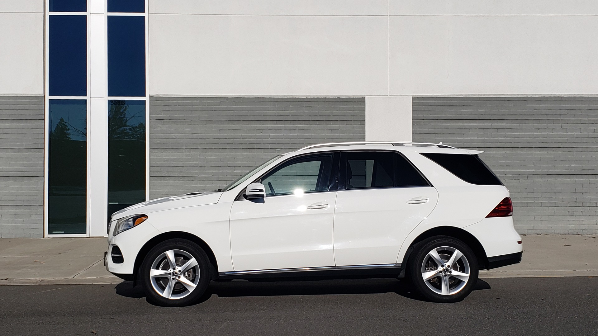 Used 2018 Mercedes-Benz GLE 350 4MATIC PREMIUM / NAV / H/K SOUND / REARVIEW for sale Sold at Formula Imports in Charlotte NC 28227 2