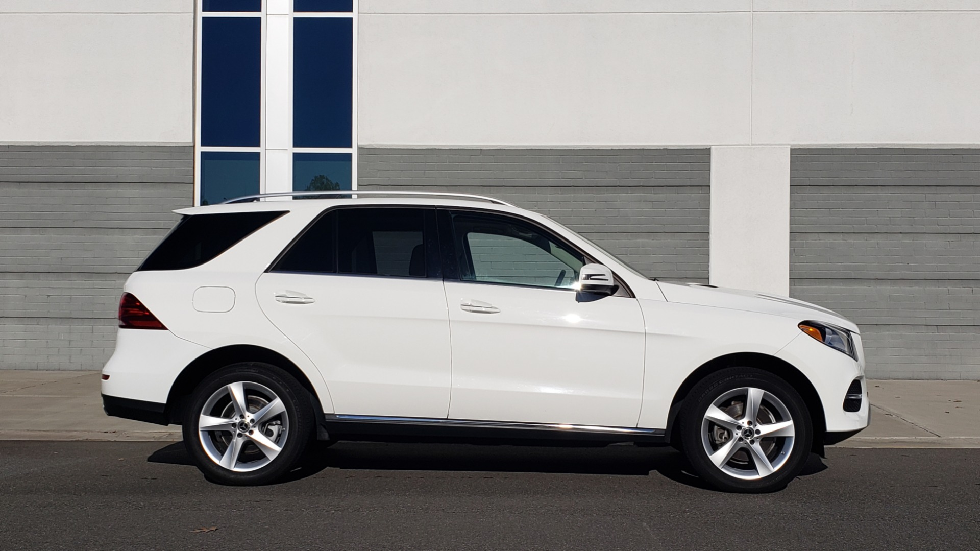 Used 2018 Mercedes-Benz GLE 350 4MATIC PREMIUM / NAV / H/K SOUND / REARVIEW for sale Sold at Formula Imports in Charlotte NC 28227 5