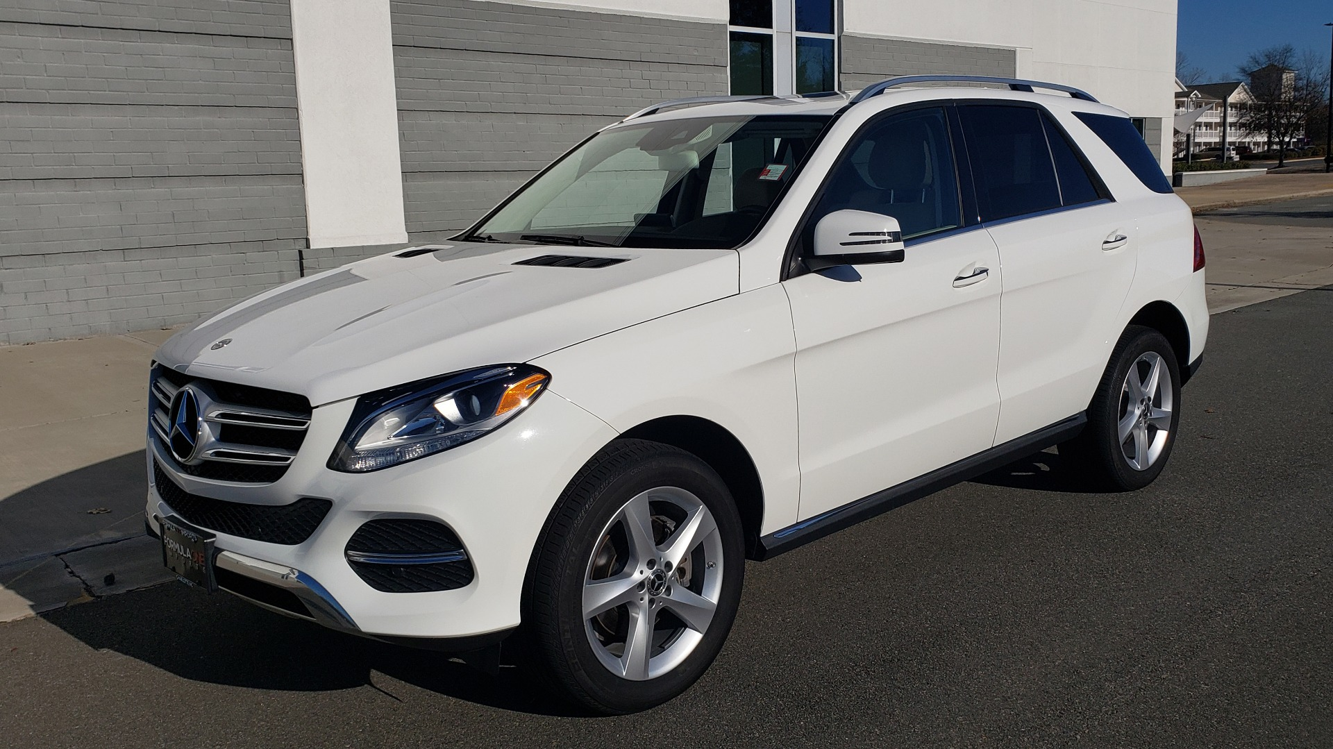 Used 2018 Mercedes-Benz GLE 350 4MATIC PREMIUM / NAV / H/K SOUND / REARVIEW for sale $36,995 at Formula Imports in Charlotte NC 28227 1