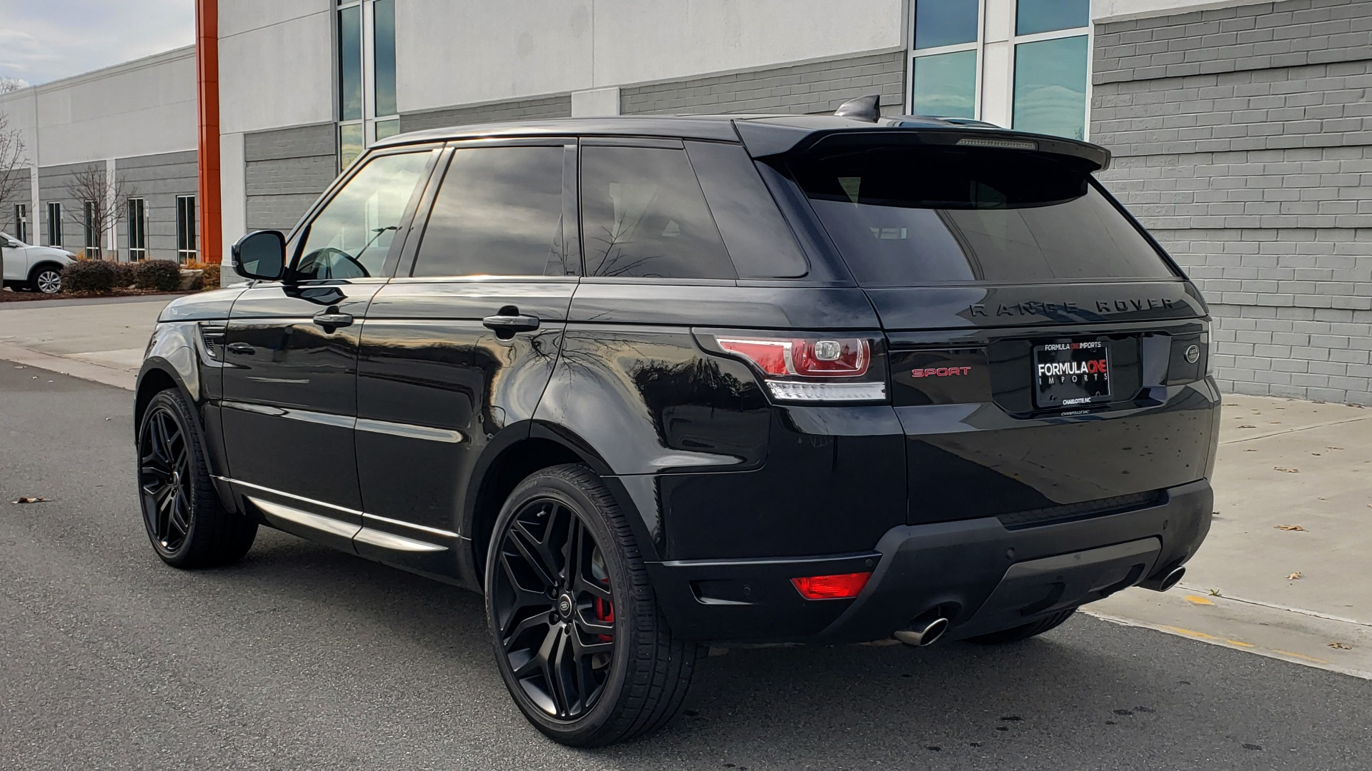 Used 2017 Land Rover RANGE ROVER SPORT HSE DYNAMIC / SC V6 / for sale $49,995 at Formula Imports in Charlotte NC 28227 4