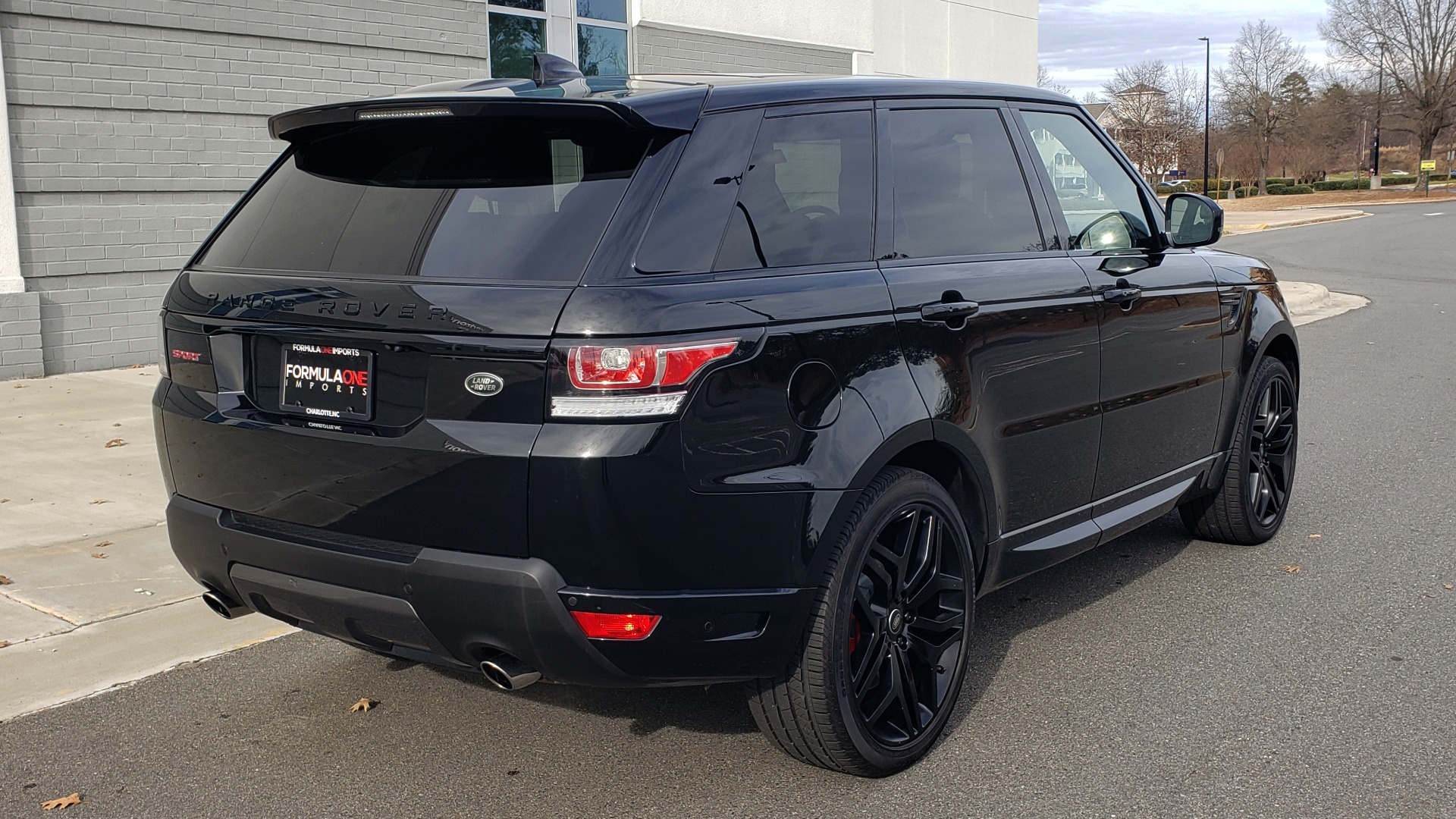 Used 2017 Land Rover RANGE ROVER SPORT HSE DYNAMIC / SC V6 / for sale $49,995 at Formula Imports in Charlotte NC 28227 5