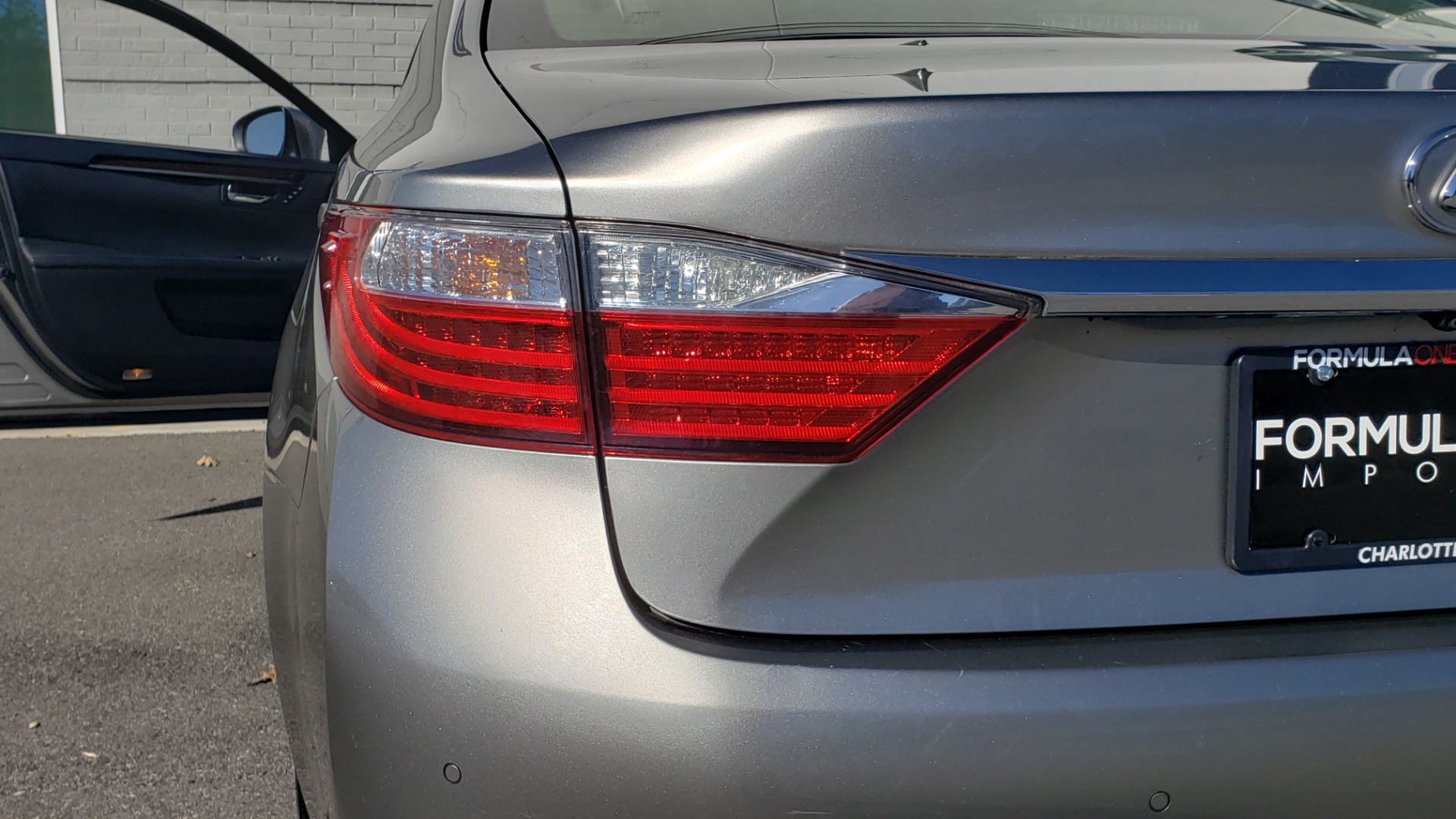 Used 2015 Lexus ES 350 LUXURY PKG / NAV / BSM / LCA / PARK ASSIST / REARVIEW for sale Sold at Formula Imports in Charlotte NC 28227 24