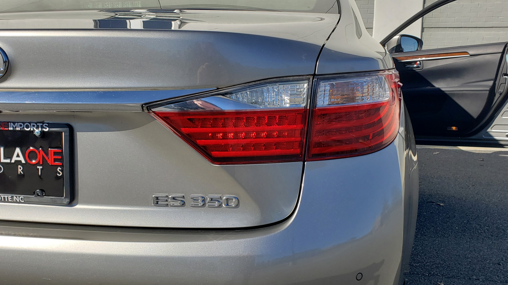 Used 2015 Lexus ES 350 LUXURY PKG / NAV / BSM / LCA / PARK ASSIST / REARVIEW for sale Sold at Formula Imports in Charlotte NC 28227 25