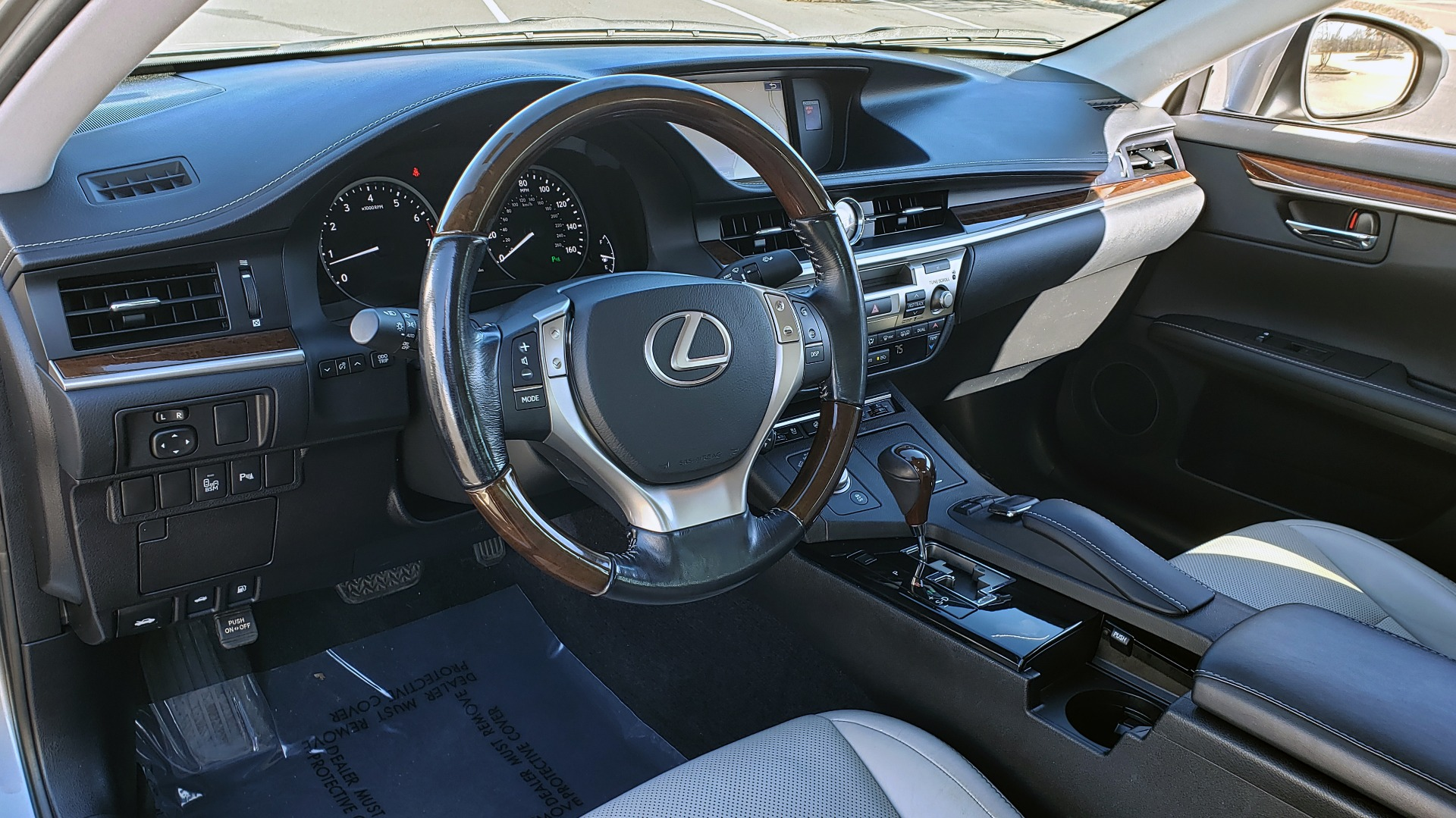 Used 2015 Lexus ES 350 LUXURY PKG / NAV / BSM / LCA / PARK ASSIST / REARVIEW for sale Sold at Formula Imports in Charlotte NC 28227 32