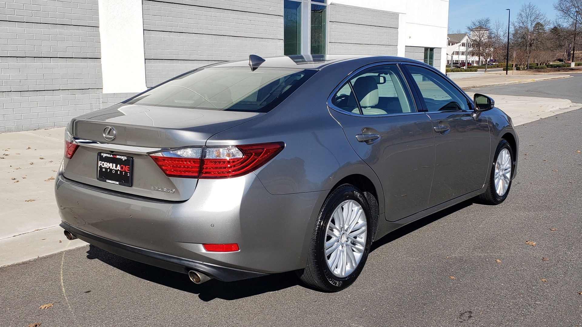 Used 2015 Lexus ES 350 LUXURY PKG / NAV / BSM / LCA / PARK ASSIST / REARVIEW for sale Sold at Formula Imports in Charlotte NC 28227 6
